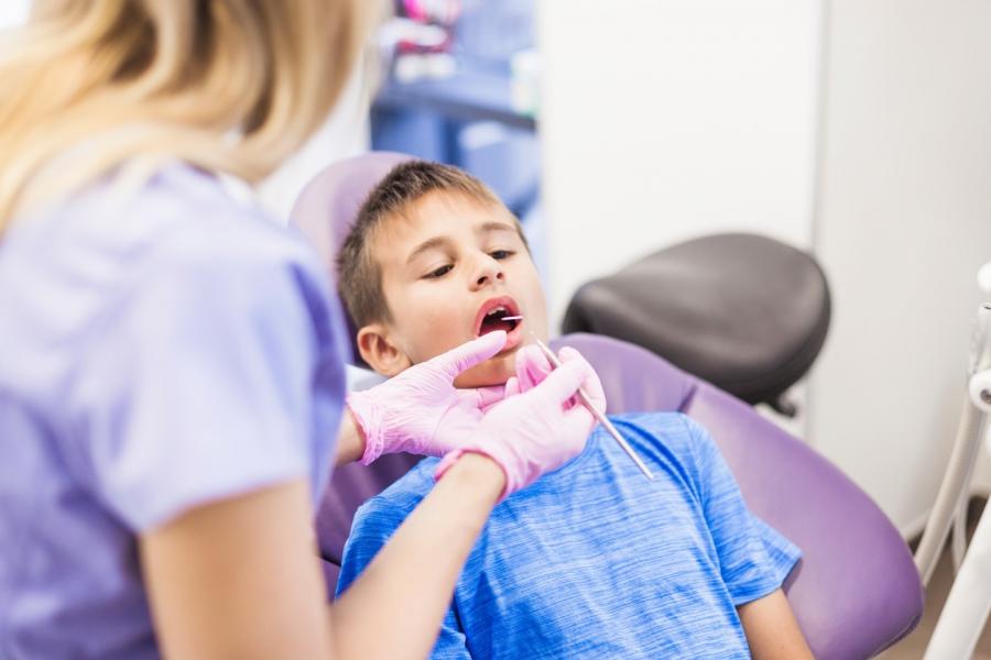 Entre el 80 y el 90% de las caries infantiles no ha recibido el tratamiento necesario